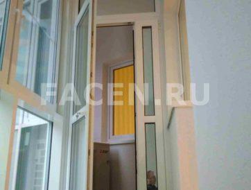 Изготовили и установили теплую дверь из ПВХ на балконе